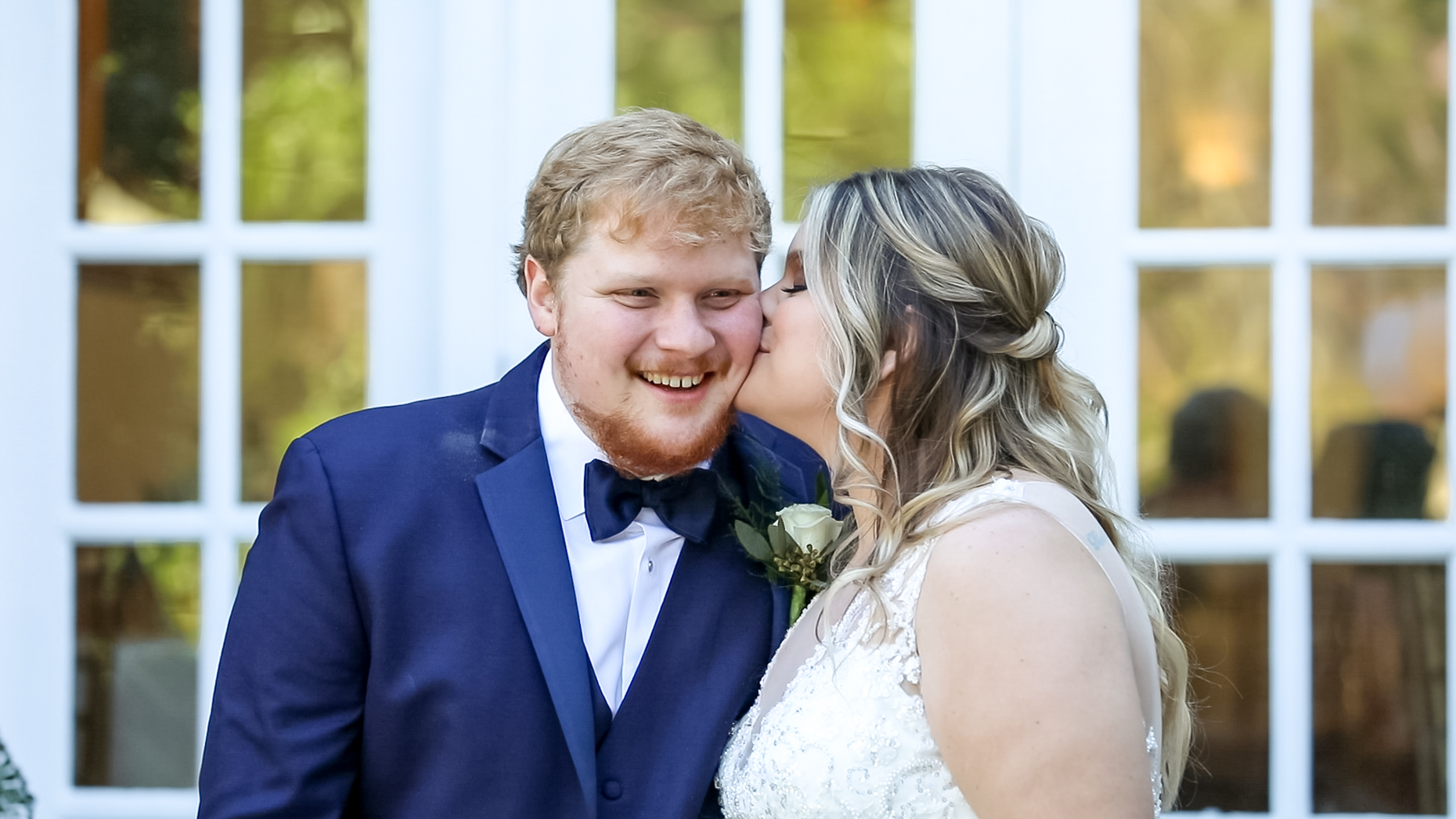 bride and groom portraits at Cedar Plantation in Acworth, GA