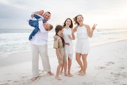 family beach portraits on okaloosa island